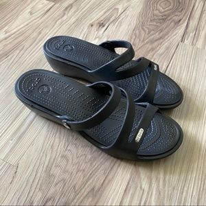 Crocs low wedge sandal size 9M